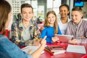 angol és német nyelvtanfolyamok tizenéveseknek